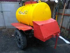 Barrel on wheels for milk, water, kvass